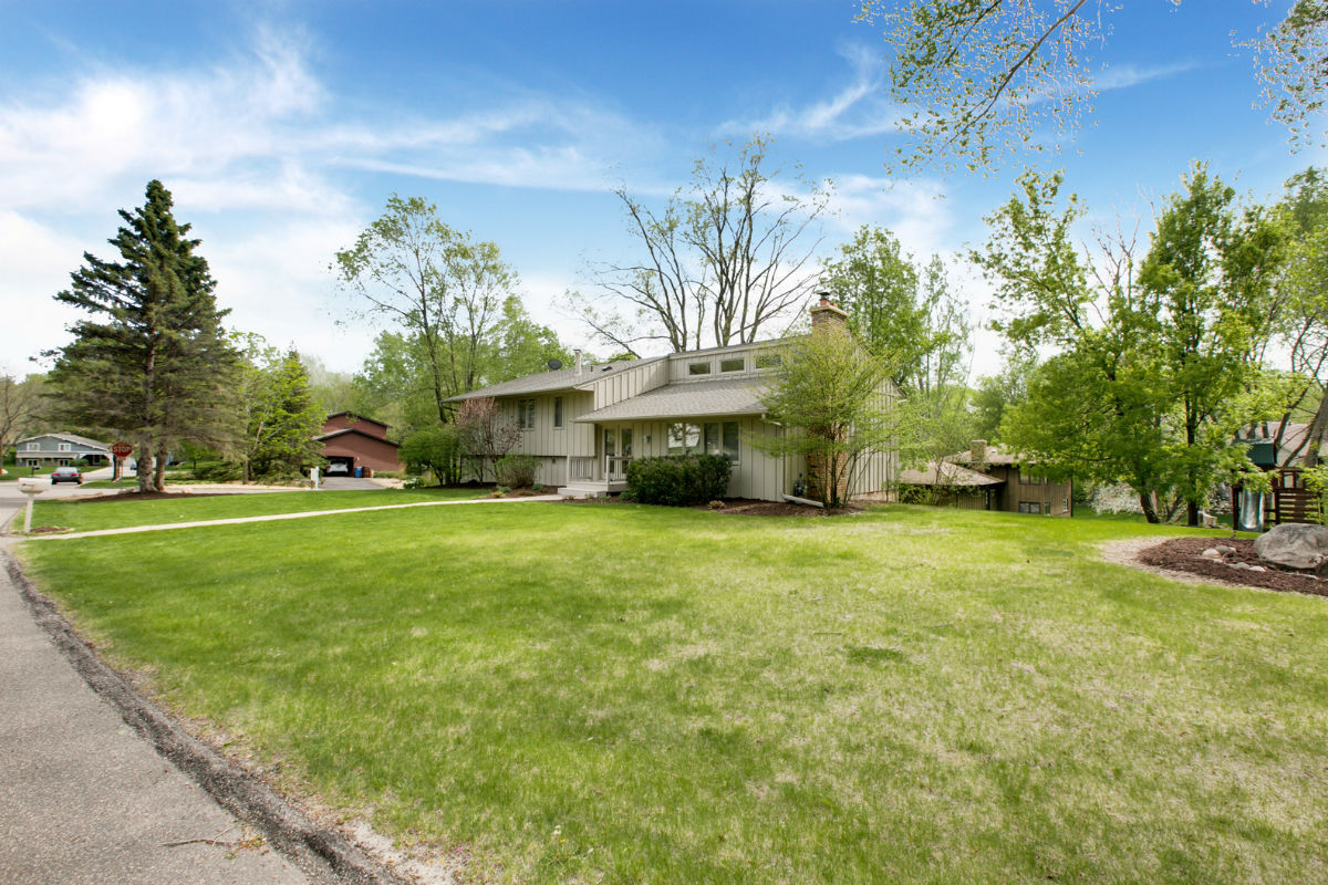 2508 Sheffield Circle N – Minnetonka, MN