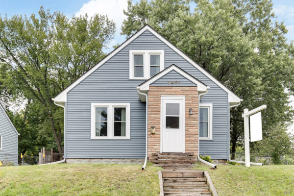 3461 5th Street – For Sale